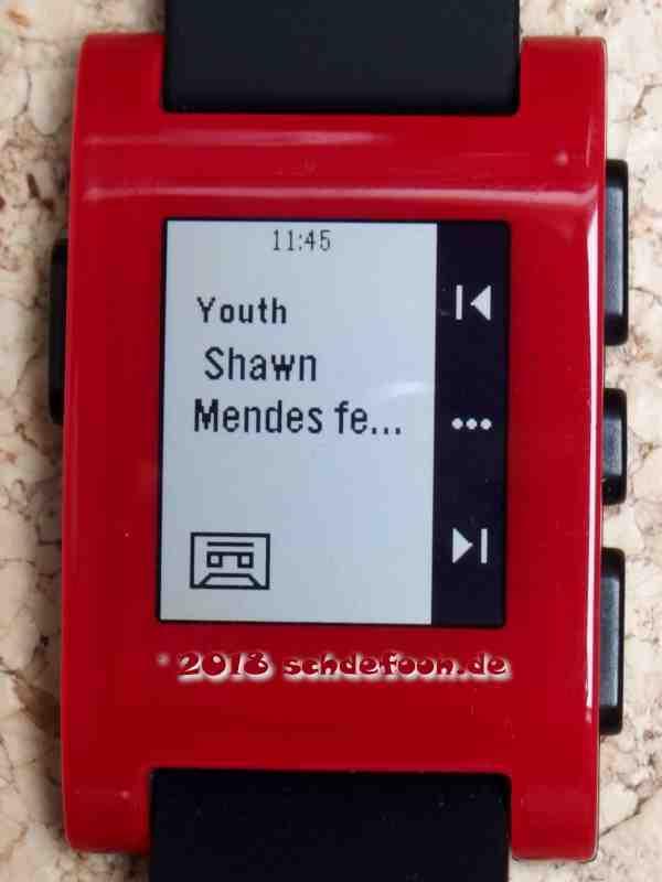 Aufnahme einer Smartwatch mit Musik-App