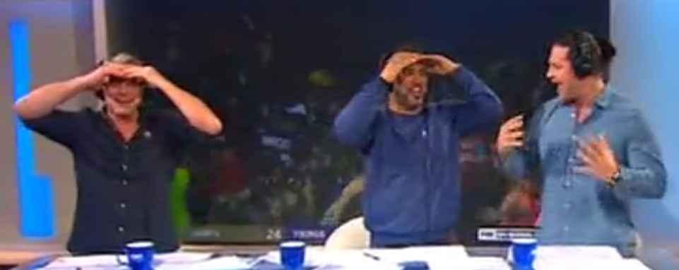Fernseh Moderatoren schlagen sich die Hände vor das Gesicht